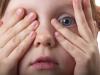 «Сдам в детдом», «бог накажет», «цыгане заберут»: истории о том, как запугивание калечит жизнь ребенка