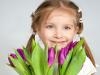Что подарить девочке на 8 марта? Идеи оригинальных подарков