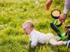 Если младенец упал: первые действия родителей