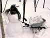 Пользователей соцсетей позабавила многодетная мама-снеговик в Магнитогорске