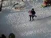 Девочка едва не задохнулась, повиснув на собственном капюшоне