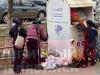 В Челябинске цыганки с детьми разграбили контейнер «Вещеворота»
