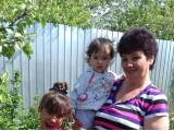 Помощницы у бабушки в огороде - Дубынина Карина, 8 лет