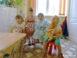 Играем с подружками в роддом (фото от Елены Ангольдт)